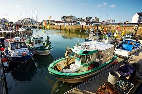 Boten in de haven van Saint-Gilles-Croix-de-vie.